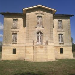 Façade principale sur Sainte terre Bâtisse fin XIXéme siècle
