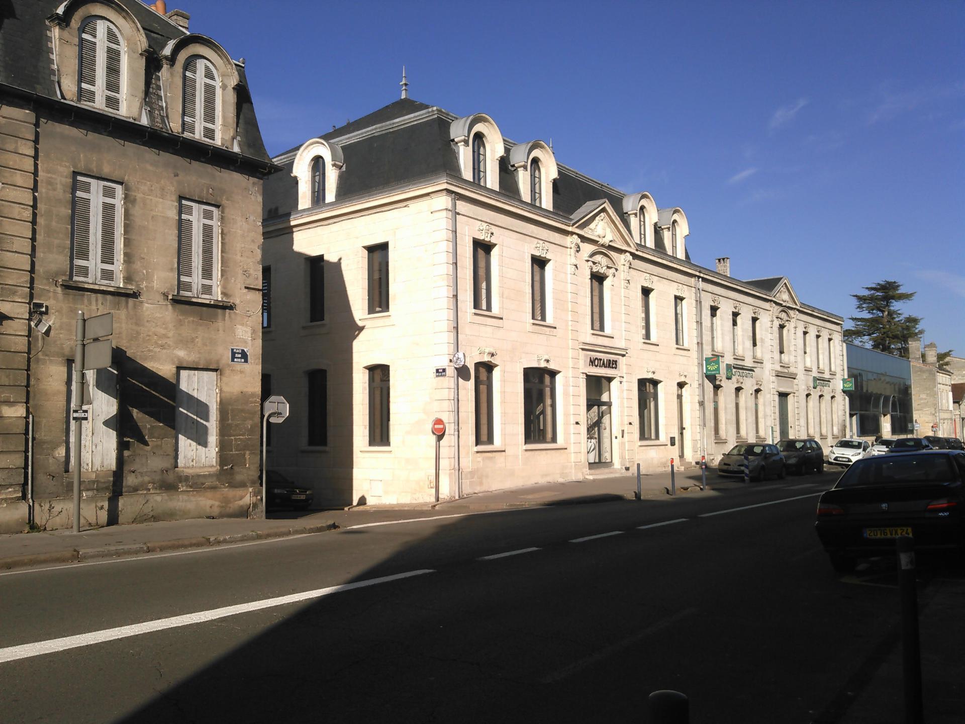 Façade ravalée sur Bordeaux